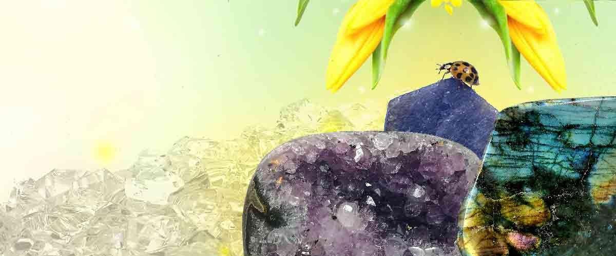 Découvrez notre collection de minéraux et cristaux sur notre boutique.